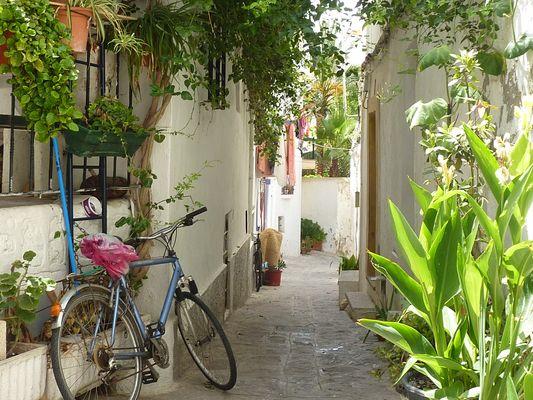 Au coeur d'une rue typique d'Ibiza