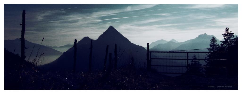 Au dessus des montagnes, au delà des nuages