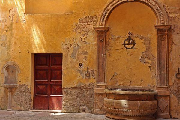 Au fond d'une cour à Sienne - Toscane