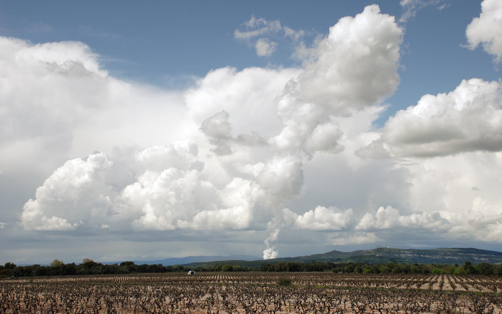 au fond, l'usine à nuages
