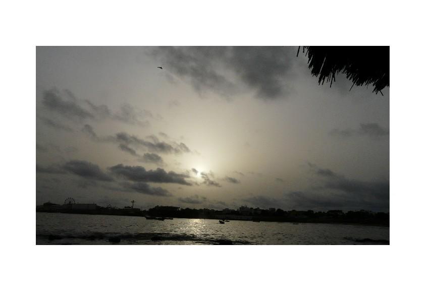 au loin; Dakar