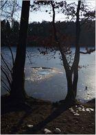 Auch am See ist der Winter noch nicht vorbei.