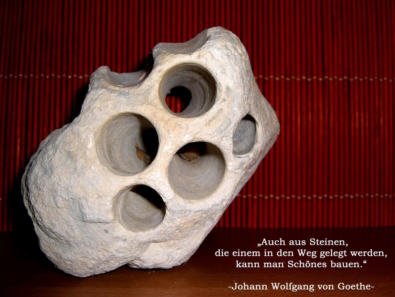 .Auch aus Steinen...