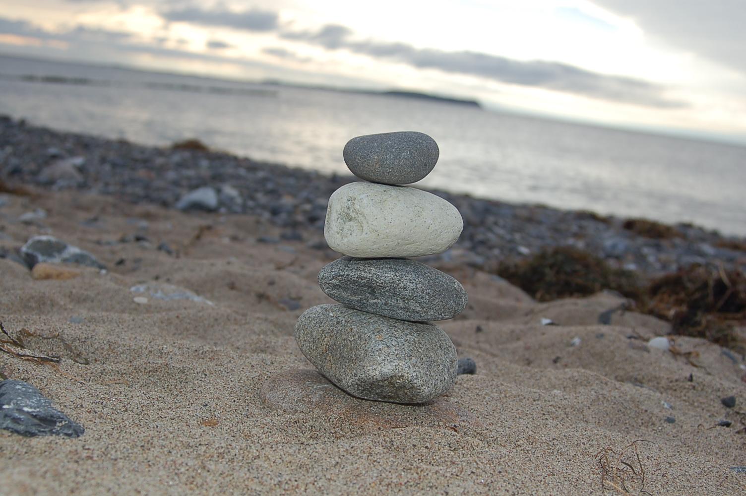 Auch aus Steinen die Dir in den Weg gelegt werden, kannst Du etwas Schönes bauen.