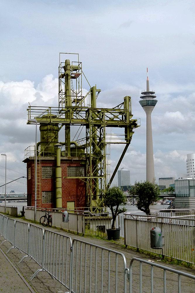 Auch das ist Düsseldorf.... Medienhafen