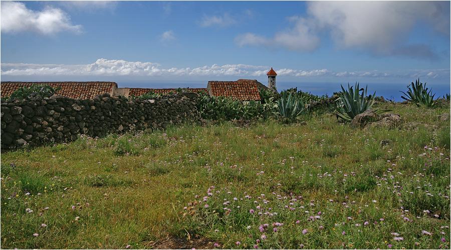 Auch das ist Teneriffa : Original kanarische Fincas, fernab vom Tourismus , noch bewirtschaftet