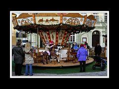 Auch ein Karussell gehört zum Christkindlmarkt