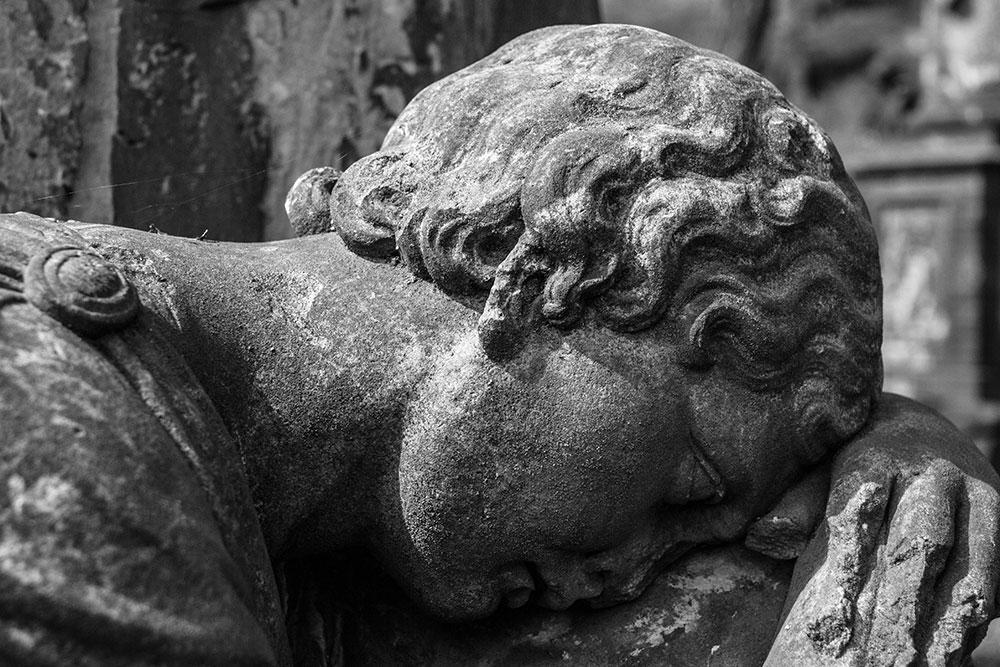 Auch Engel müssen schlafen - Nikolaifriedhof in Görlitz
