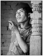 Auch in der dritten Welt finden die Tabakkonzerne ihre Opfer - Junger Mann aus Kathmandu