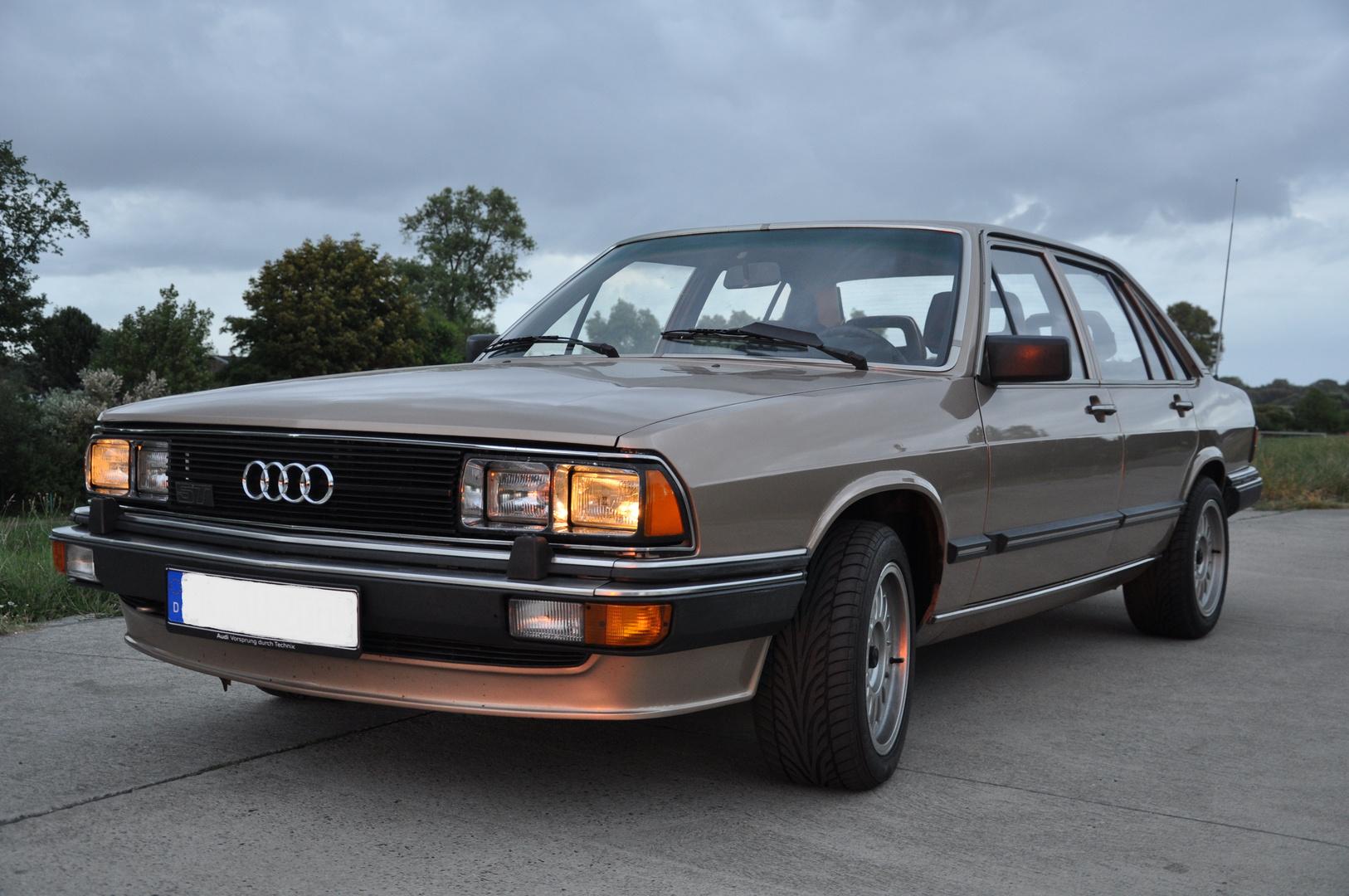 Audi 200 turbo - seinerzeit eine der stärksten frontgtriebenen Limousinen Deutschlands...