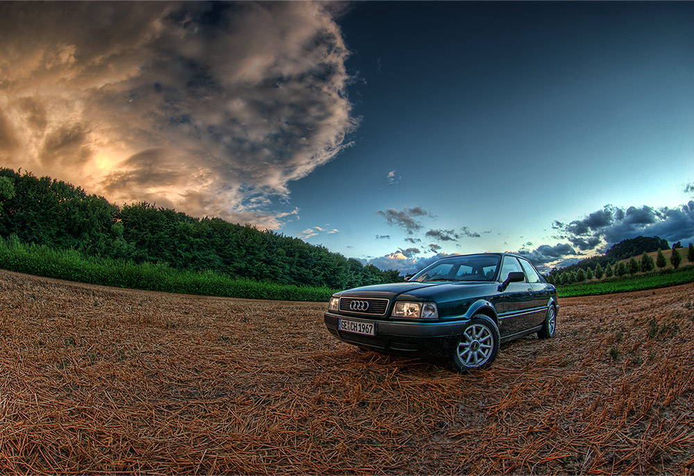 Audi im Abendlicht