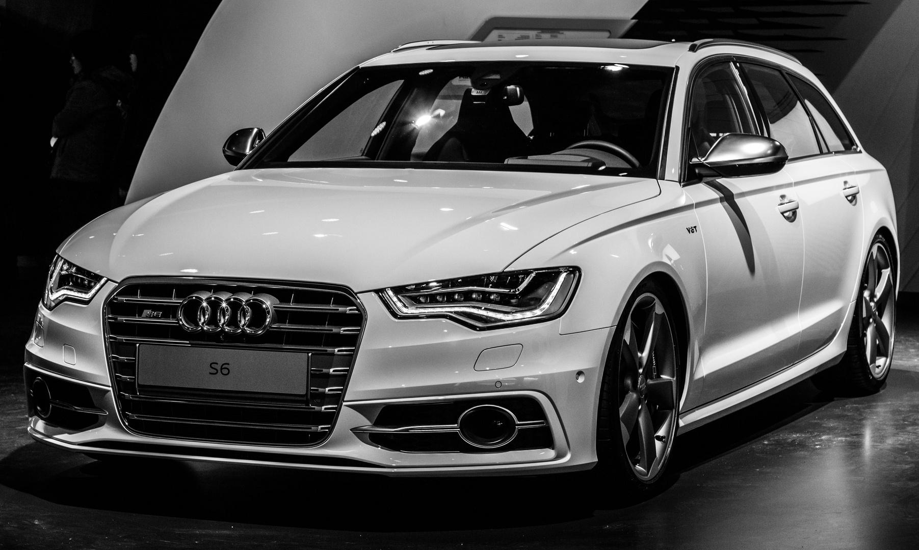 Audi S6 V8 T