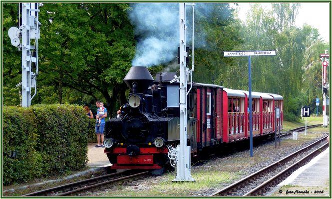 Auf Bahnsteig 2 eingefahren ist der Zug  ..
