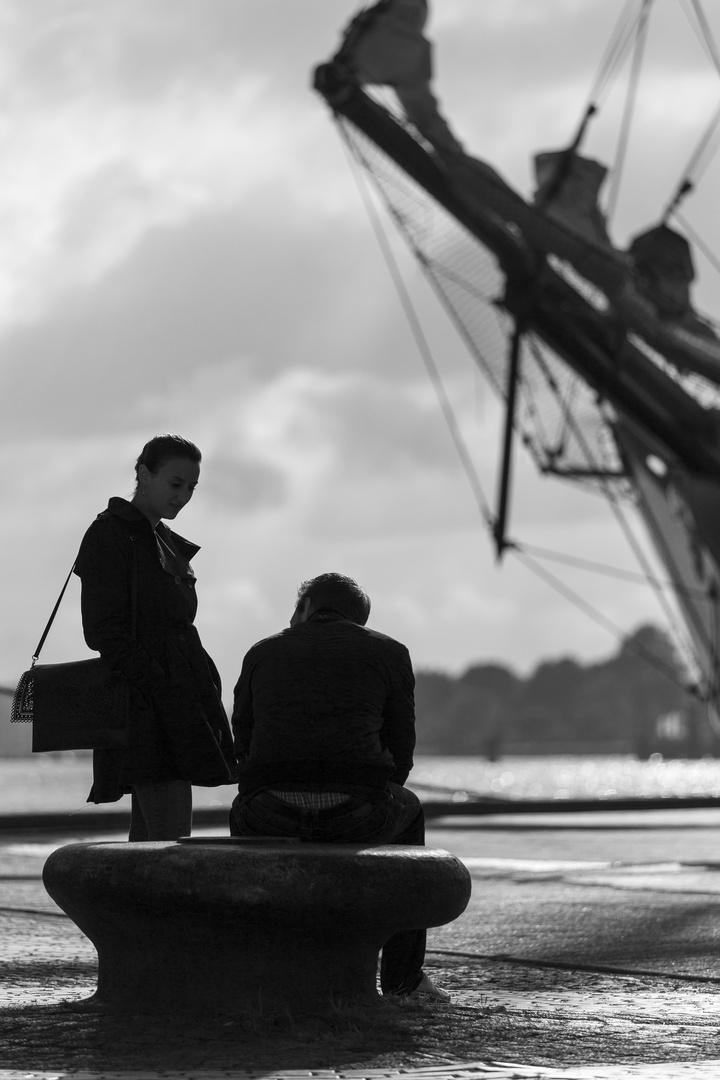 auf das Schiff warten