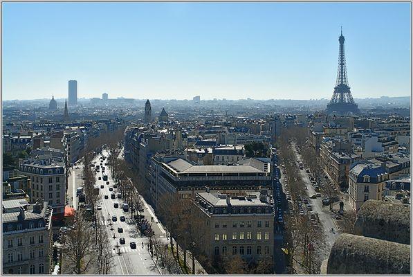 Auf dem Arc de Triomphe