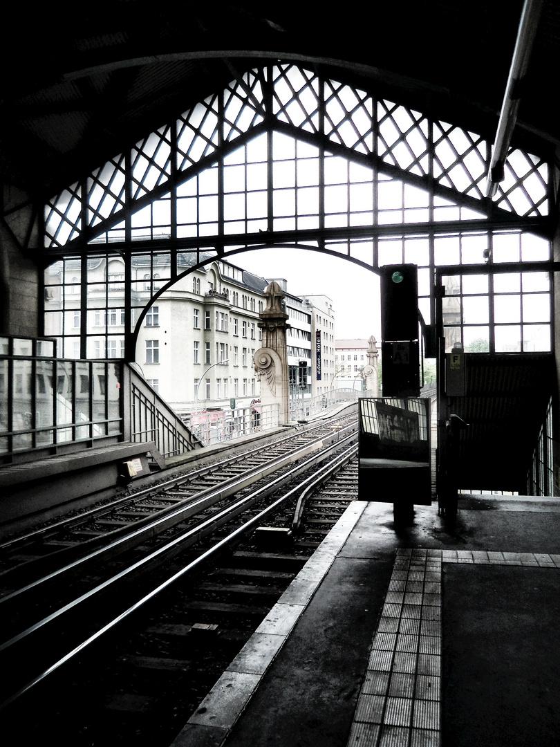 Auf dem Bahnsteig
