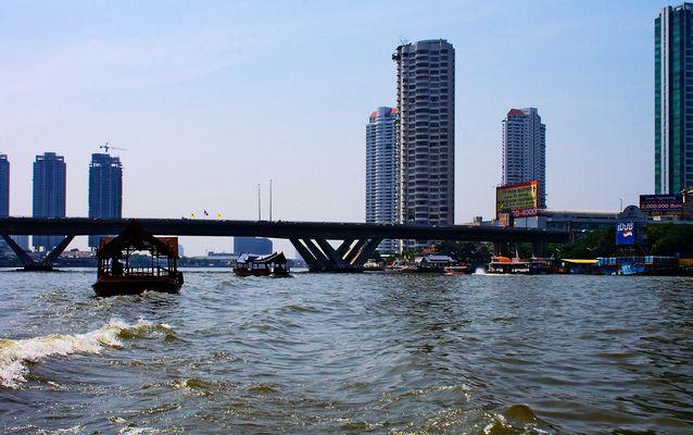 Auf dem Chao Phraya, Bangkok