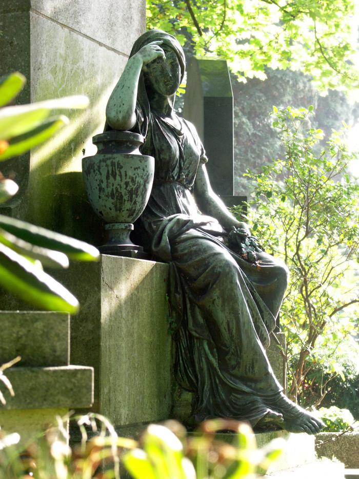 auf dem Friedhof 3