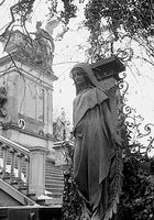 Auf dem Friedhof der Prager Burg