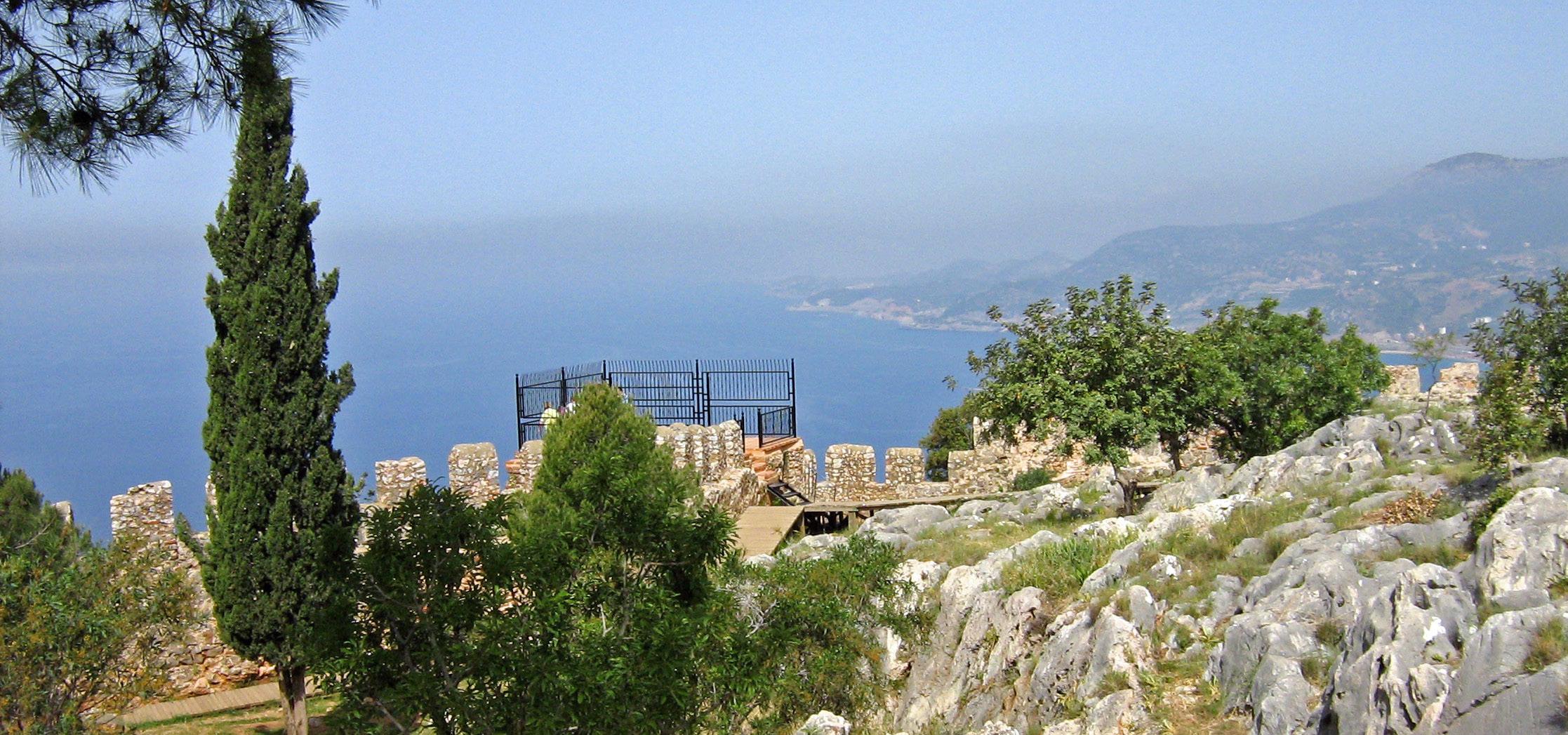 Auf dem Gelände der Festung über Alanya