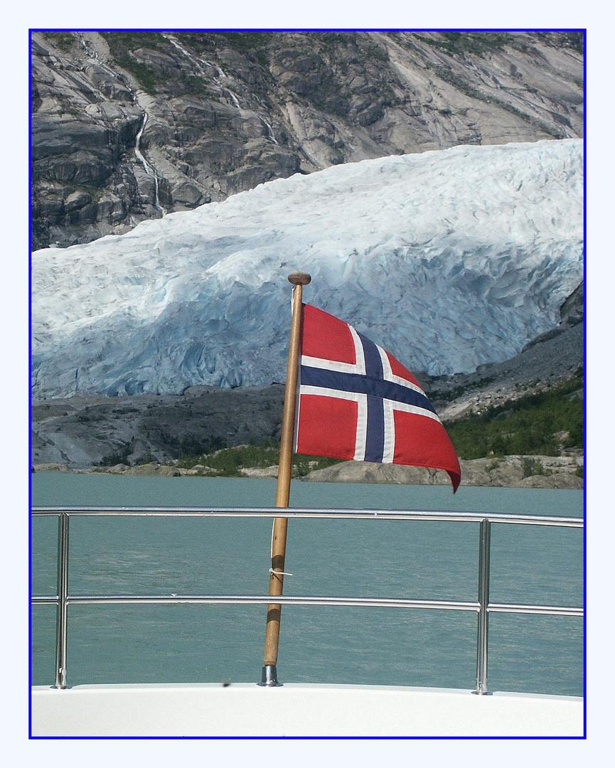 Auf dem Gletschersee am Nigardsbreen