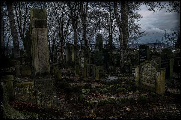 Auf dem jüdischen Friedhof...