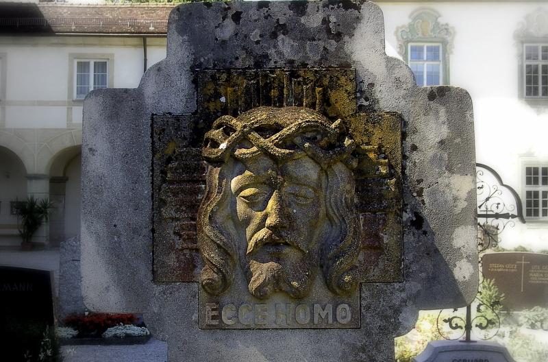 auf dem Klosterfriedhof in Benediktbeuern....