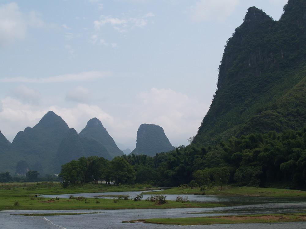 Auf dem Li Fluss bei Guilin, China