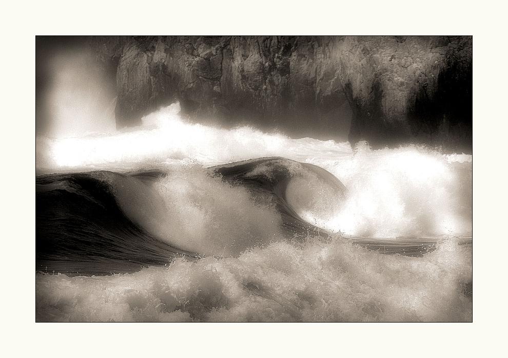 Auf dem Meer tanzt die Welle...
