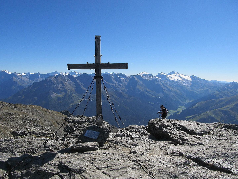 Auf dem Rastkogel 2762 Meter hinten der Hintertuxer Gletscher
