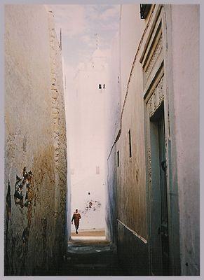 Auf dem Rueckweg von der Moschee