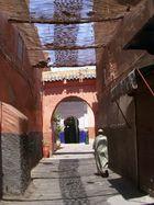 Auf dem Weg in die Moschee