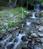 Auf dem Weg zum 2663 m hohen Pfannhorn, lenkt ein Wasserfall einwenig von...