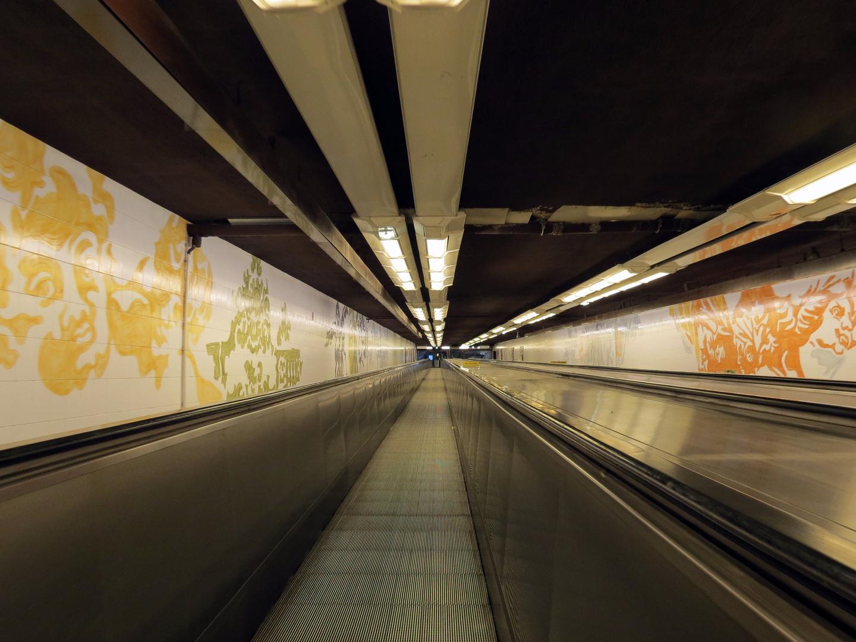 auf dem Weg zur Metro
