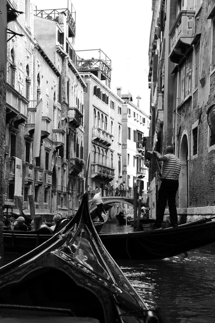 Auf den Wasserstrassen Venedigs