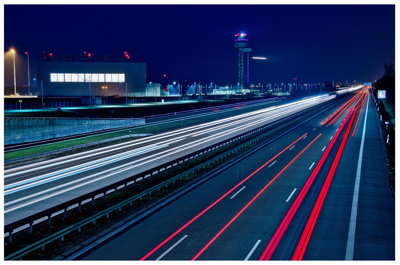 Auf der Autobahn Nachts um halb eins....