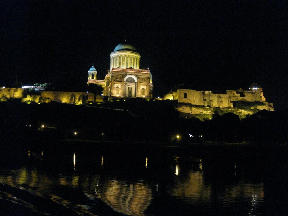 auf der Donau bei nacht