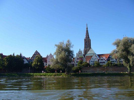 Auf der Donau durch Ulm