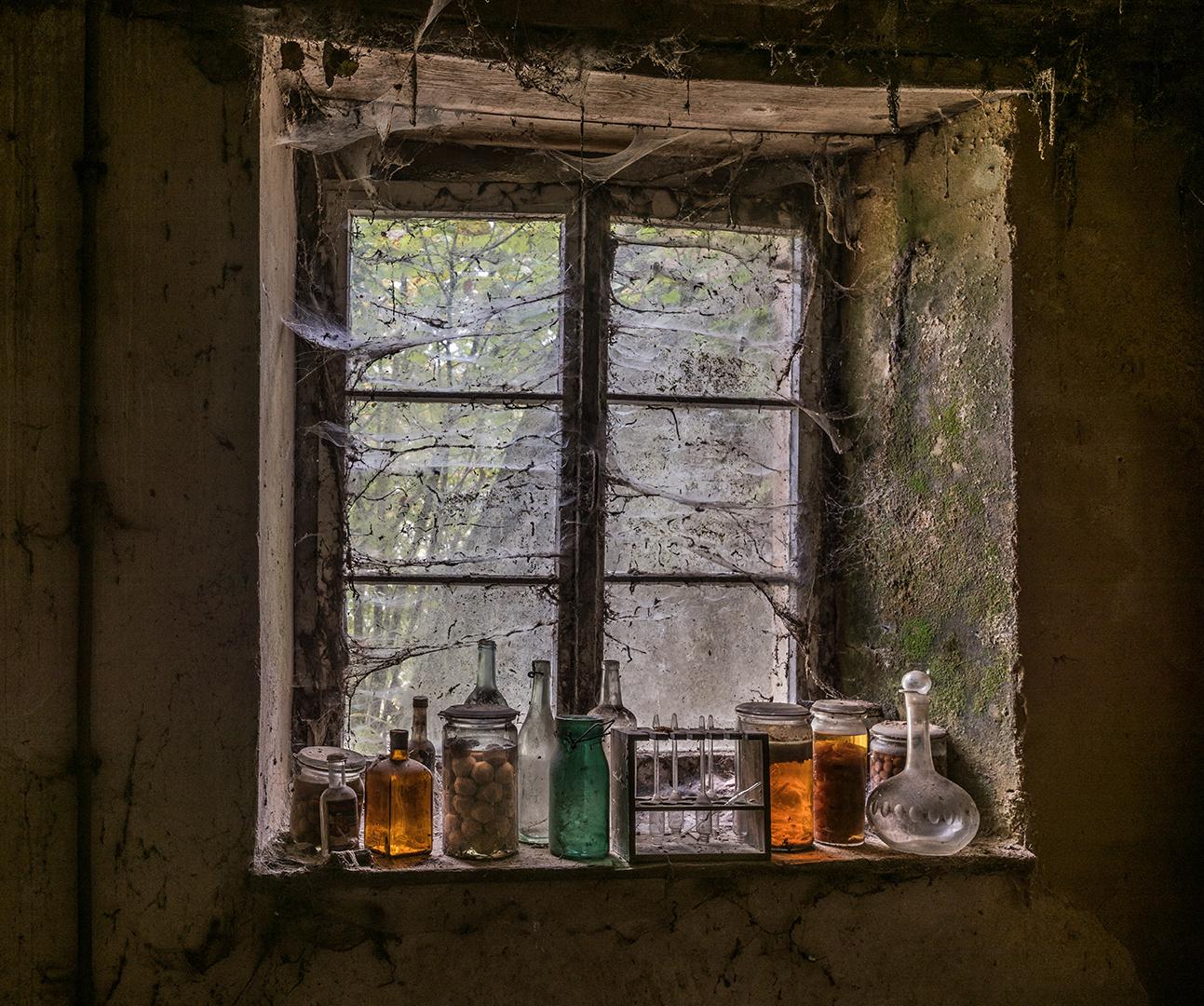 auf der Fensterbank