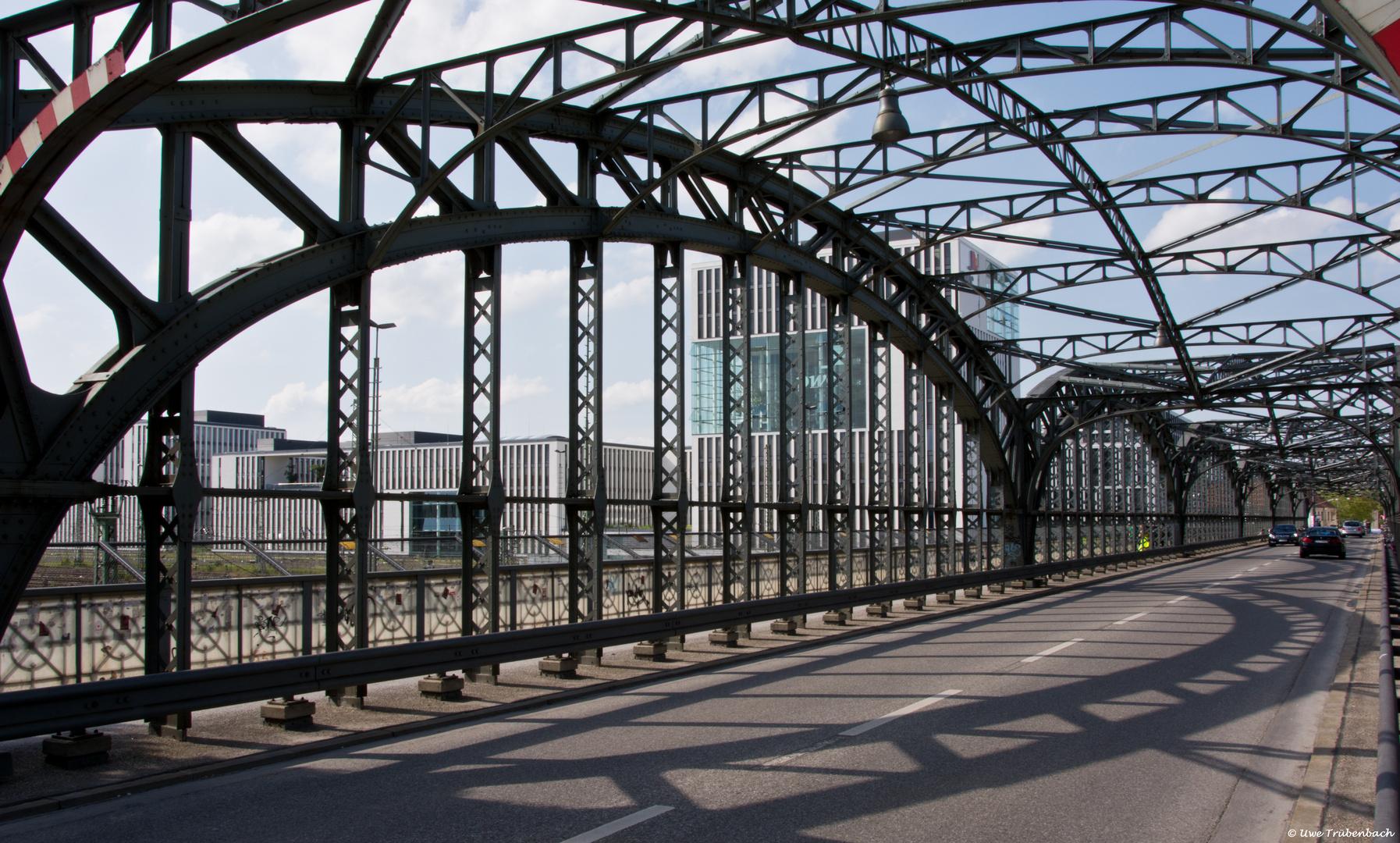 Auf der Hackerbrücke