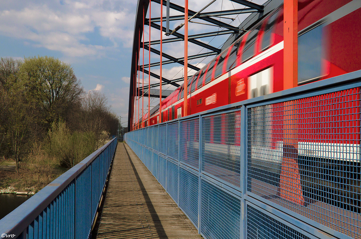 auf der Kanalbrücke