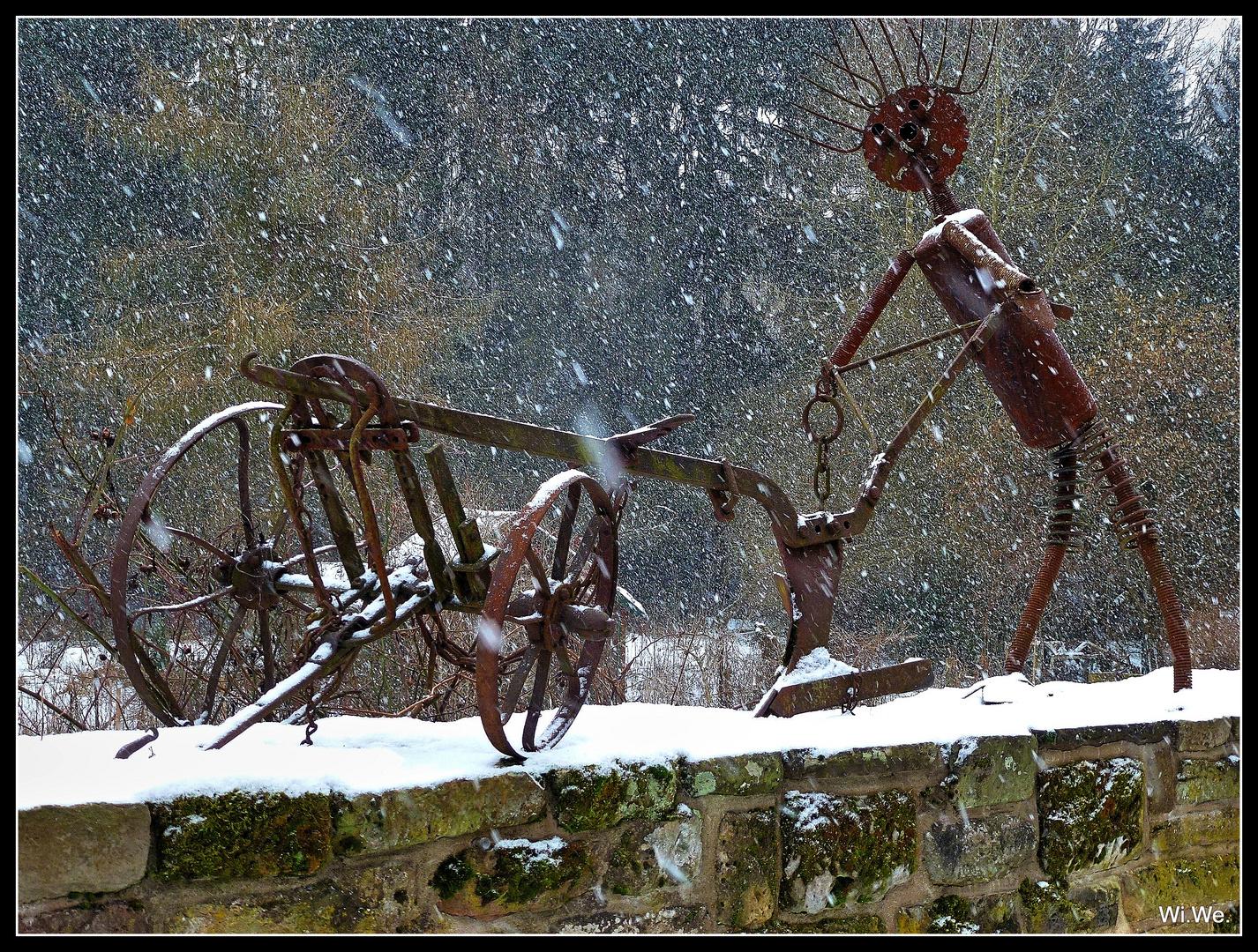 -Auf der Mauer... im Schneegestöber-