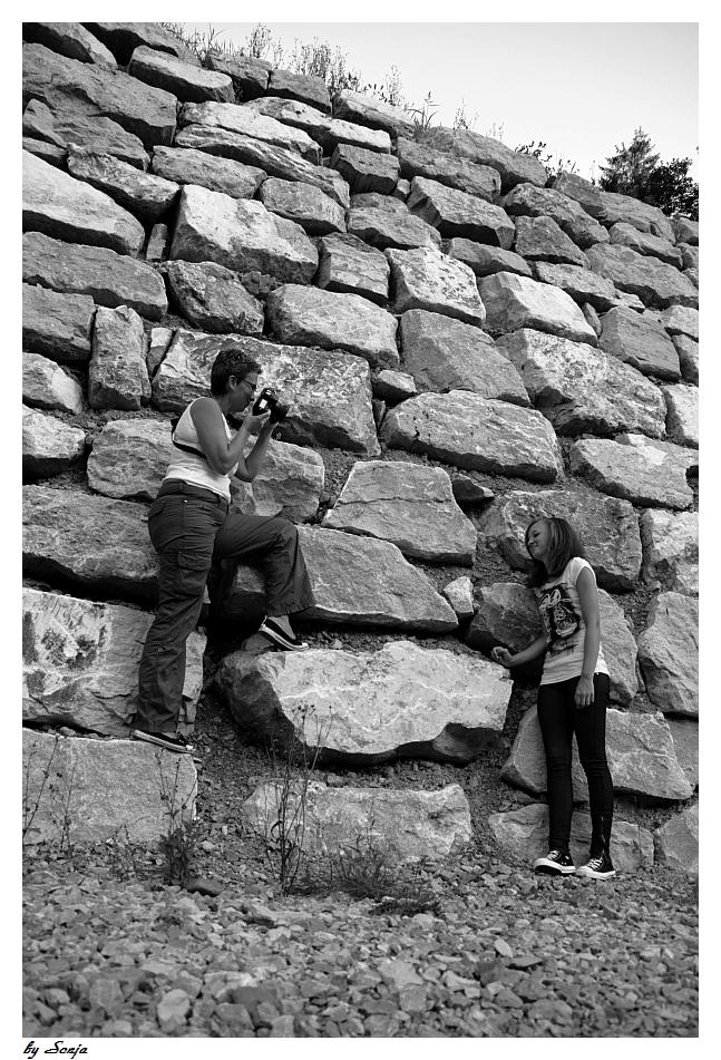 """""""Auf der Mauer...auf der Lauer...sitzt a....."""""""