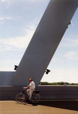 auf der Niederrheinbrücke