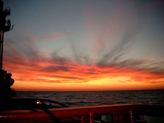 Auf der Nordsee/ der Himmel brennt