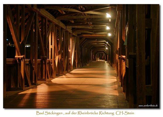 Auf der Rheinbrücke Richtung Schweiz
