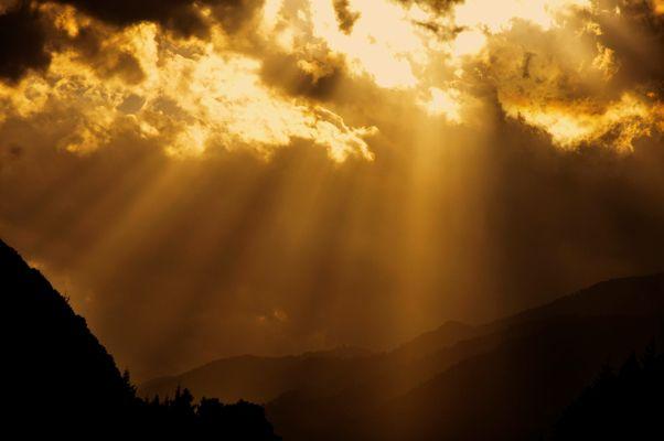 auf der Rückreise nach Hause geben die Wolken der Sonne ihren Platz