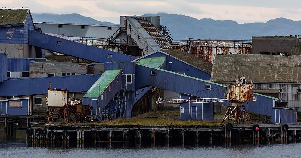 ..auf der schönsten Seereise der Welt, eine schöne desolate Fabrik..