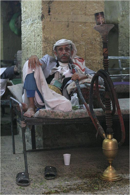auf der suche nach der legendären jemenitschen wasserpfeife........