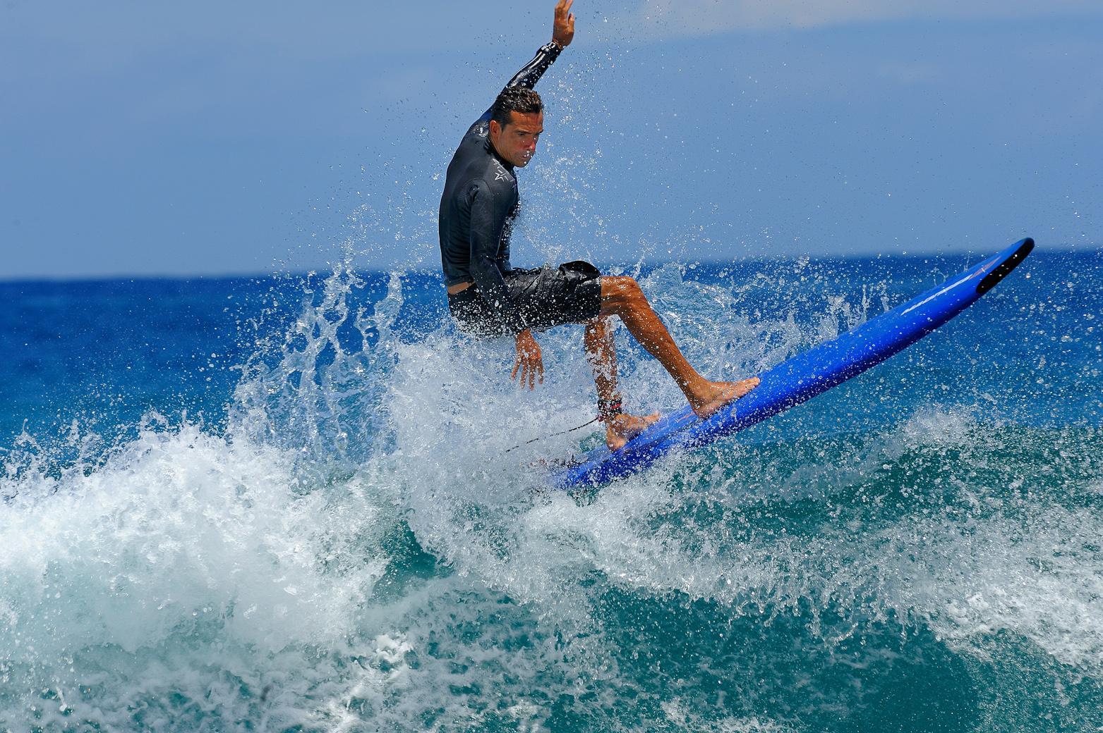 auf der Welle surfen